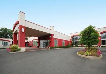 Clarion Hotel & Suites - Hamden, CT